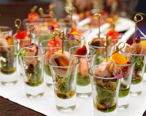 5 Simple Tips on How to Set Up a Friendly Catering Area on Your Event