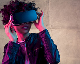 How to Use Virtual Reality to Engage More Your Attendees
